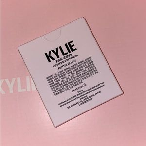 Kylie Cosmetics Makeup - Stormi Flutter in Love Blush by Kylie Cosmetics